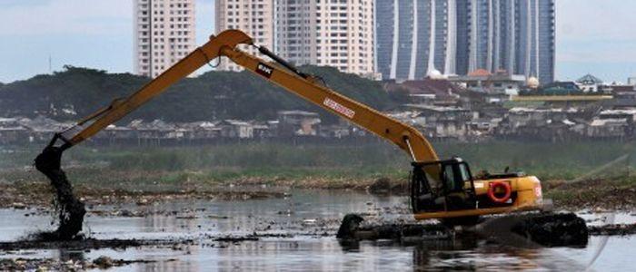 Pengerukan sungai-sungai di Jakarta